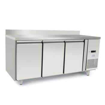 Tavolo refrigerato 3 porte con alzatina in acciaio inox - Temperatura 0/+8°C - L.179